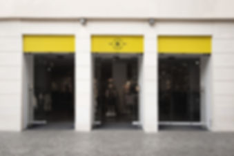 logo-mockup-facade-storefront_23-2148227