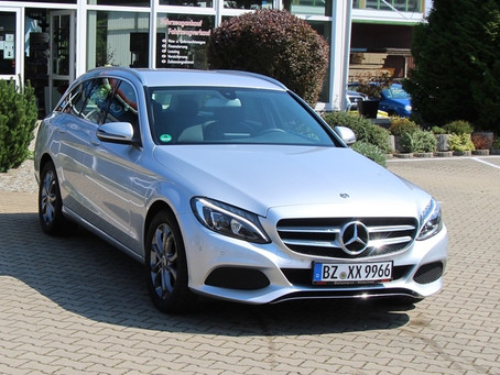 top gepflegt   +  top Ausstattung  +  sehr sparsamer Euro 6  Diesel!!!