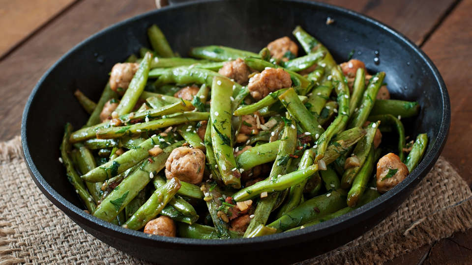green-beans-fried-with-chicken-meatballs