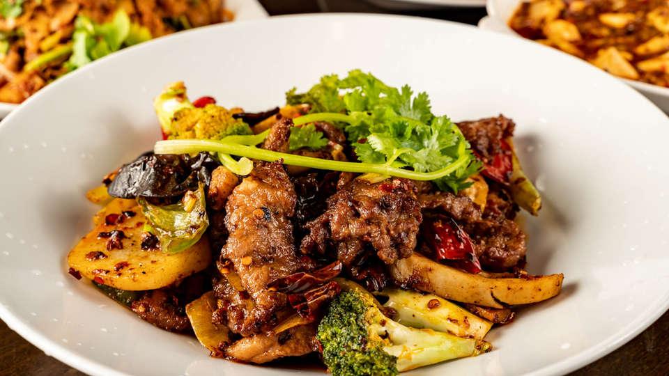 assorted-chinese-food-se-SZ5TNKJ.jpg