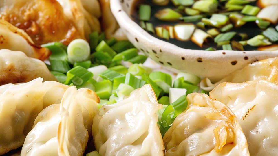 dumplings-gyozas-potstickers-HY8KURL.JPG
