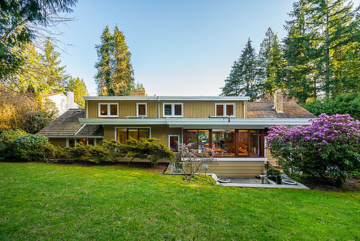 537 Eastcot Road West Vancouver-47.jpg