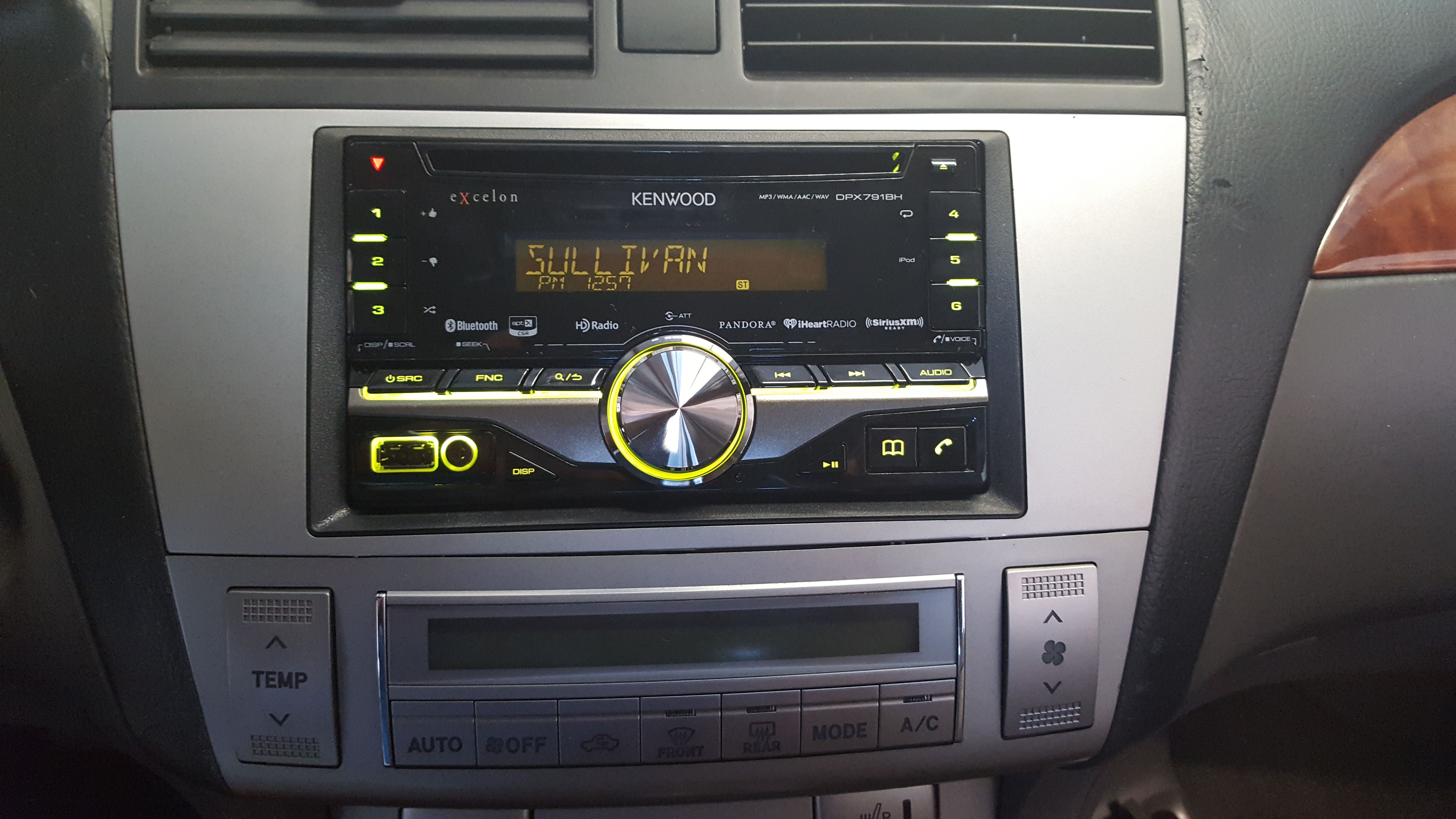 Kenwood DPX791BH Toyota Avalon