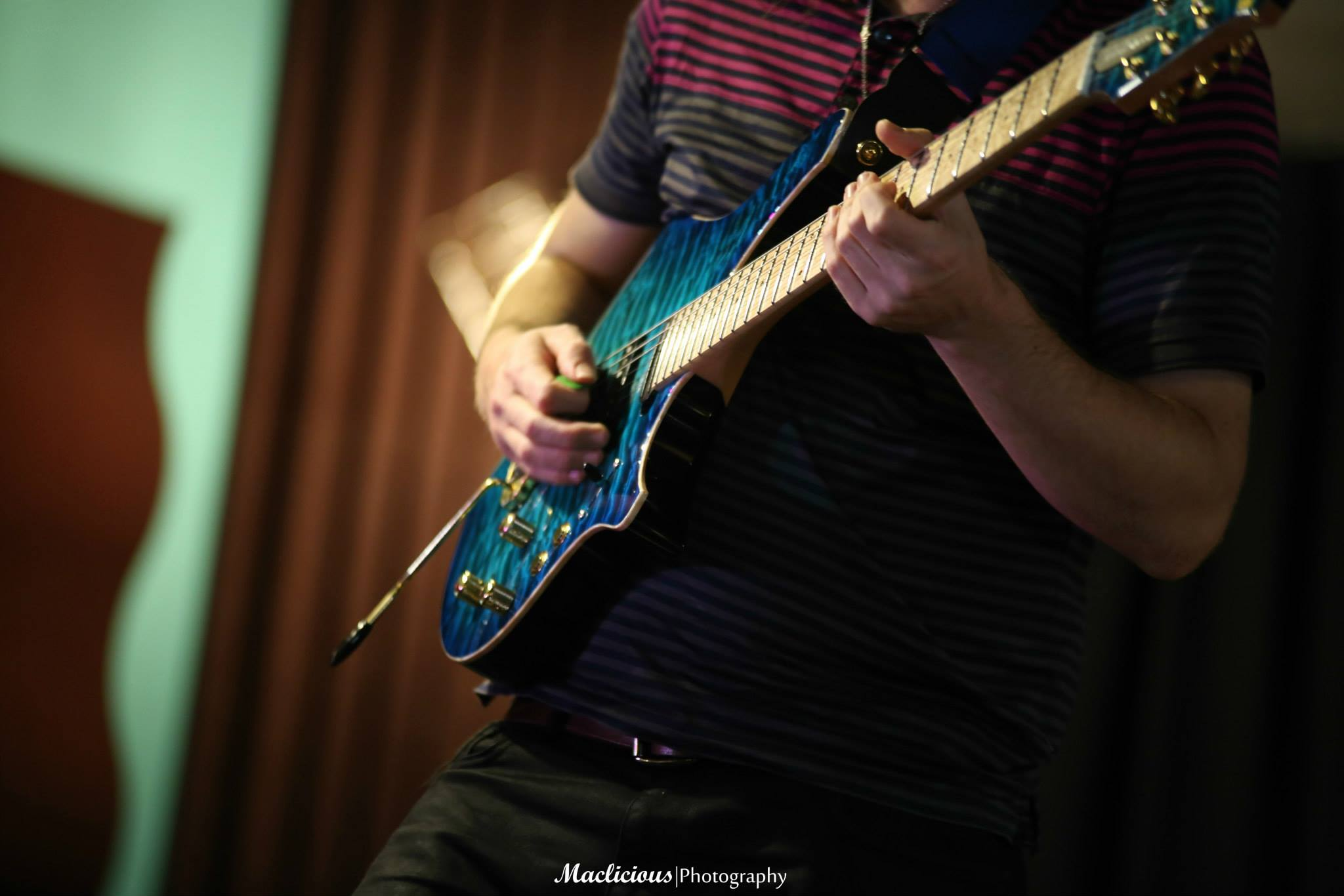 Alex Hutchings Guitar Clinic at ZOSO
