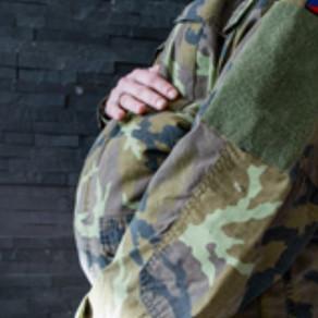 Vojákyně a mateřství
