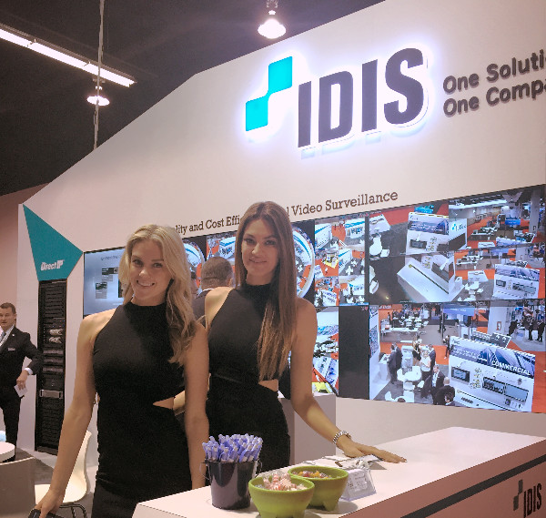 anaheim trade show models, attract agency