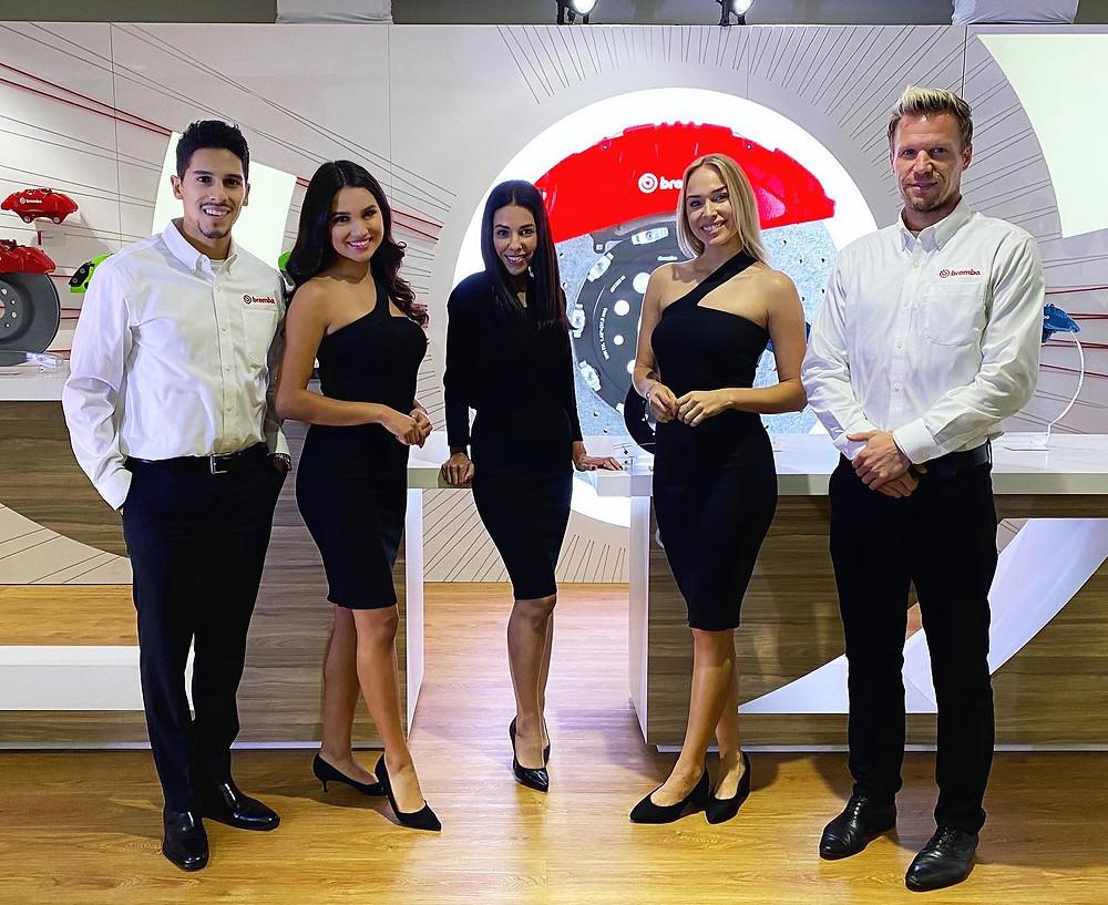 auto show product specialists, auto show brand ambassadors, auto show hostesses, trade show talent, convention models