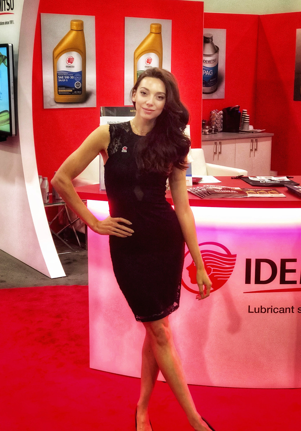 Las Vegas trade show models, Las Vegas convention models, attract agency