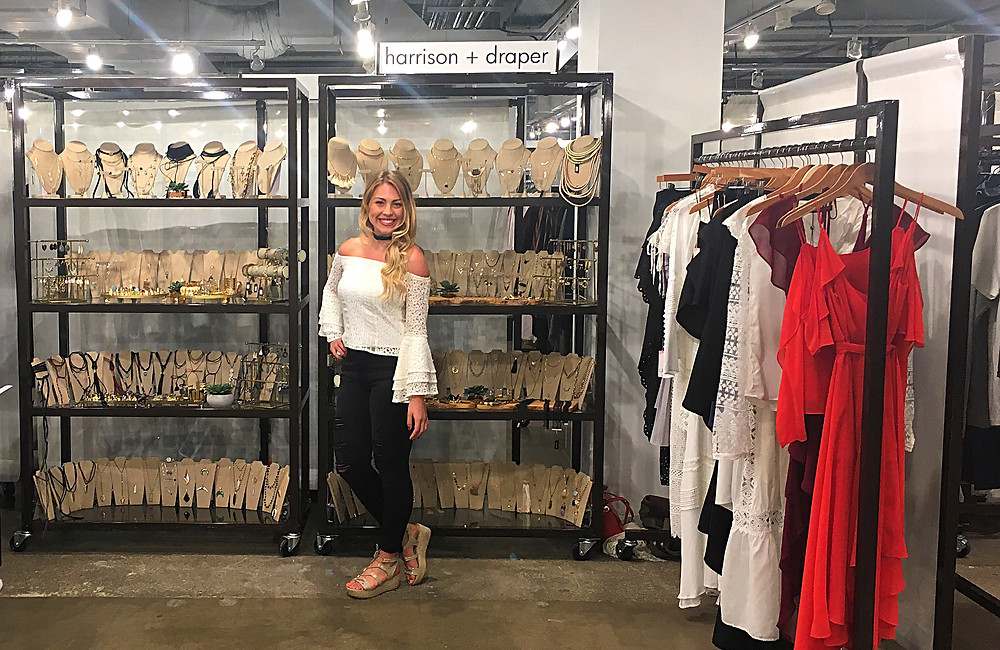 dallas brand ambassadors, Dallas trade show models, Dallas convention models, Dallas promotional staff, attract agency