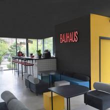 cafe bar / bauhaus