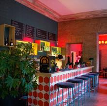 cafe bar / politika