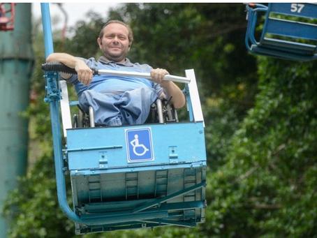 Teleférico do Parque Estoril é o 1º da América Latina a oferecer cadeira adaptada para cadeirantes