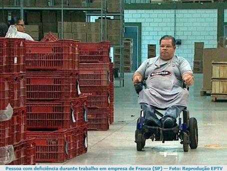Menos de 10% dos profissionais com deficiência ocupam cargos de liderança
