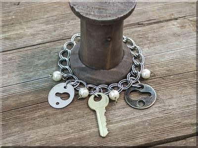 Salvaged Key/Keyhole Bracelet