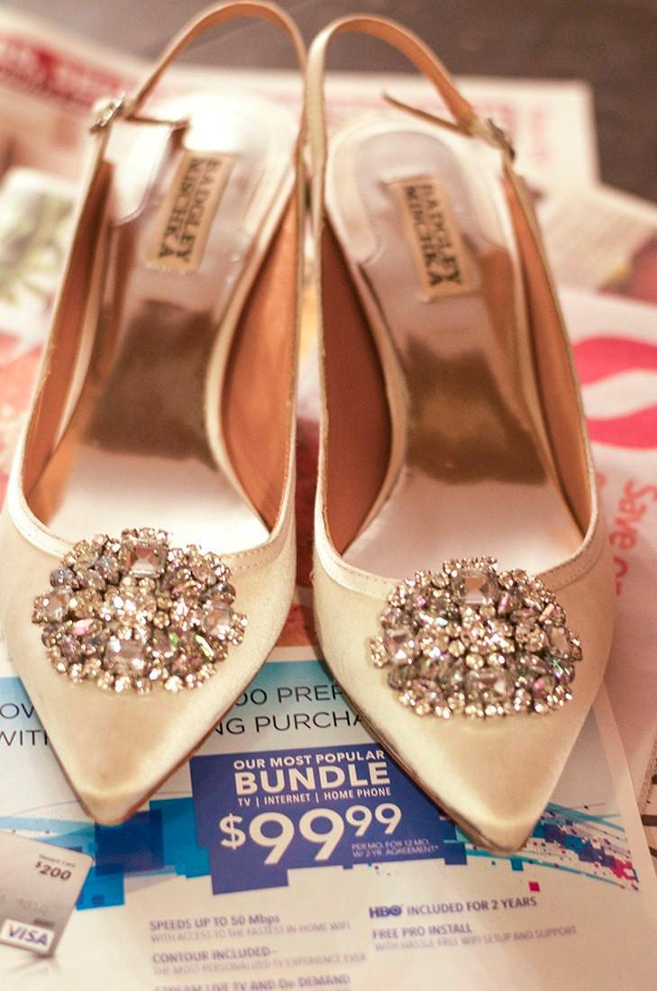 diy custom dyed shoes christmas gift idea cheap gift idea