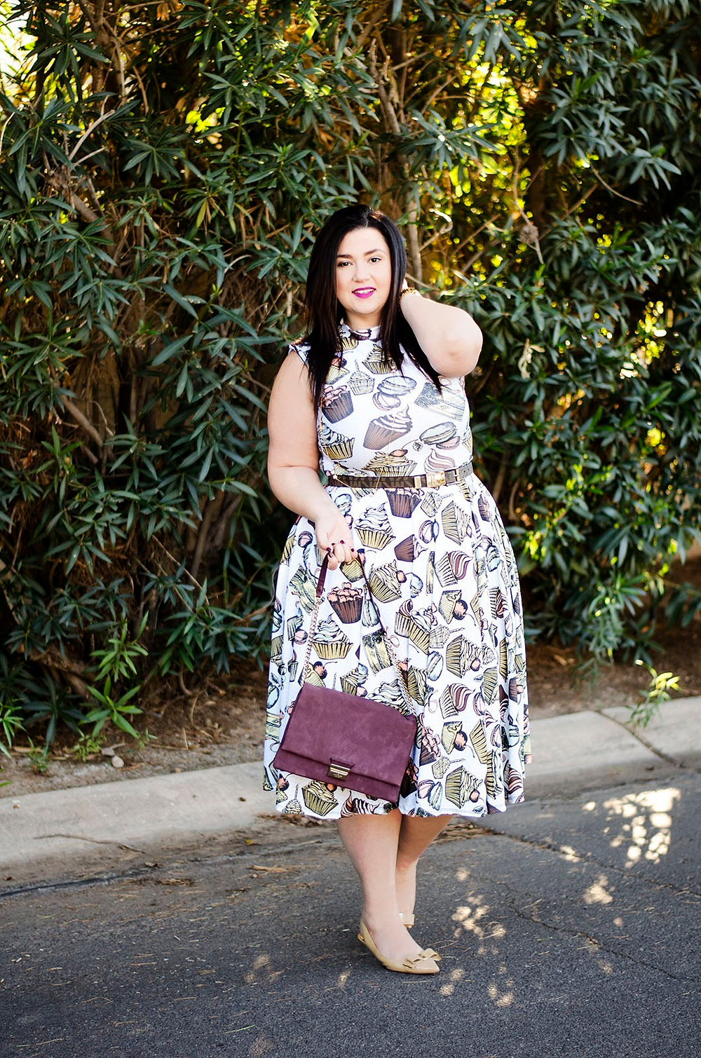 plus size dress rue 107 review ootd what to wear holiday party fit and flare dress dessert print cupcake macaron