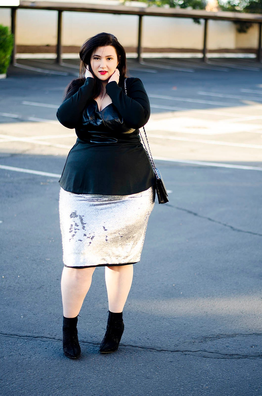 plus size ootd eloquii sequins sleek chic edgy minimalist fashion flattering pencil skirt crystal coons sometimesglam