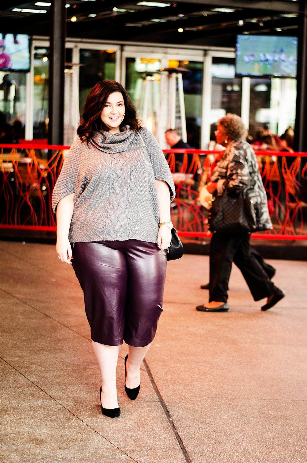 crystal coons sometimes glam plus size eloquii fashion to figure guy fieri las vegas where to eat what to wear