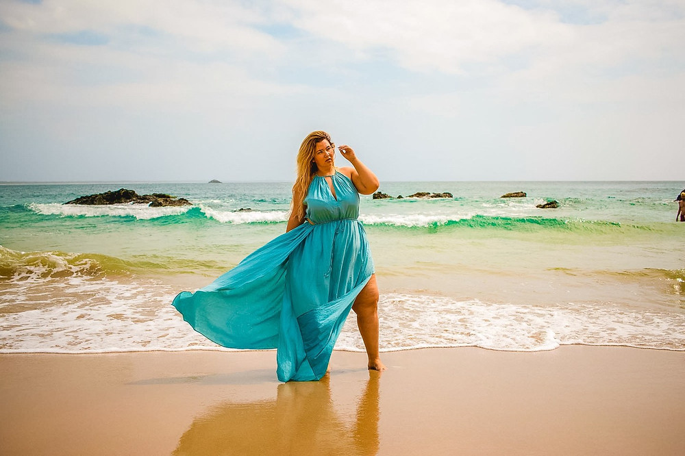 astra signature, astra crystal coons, crystal coons, plus size fashion, plus size maxi, plus size ootd, nobbys beach, port macquarie, sydney, australia, secret beaches