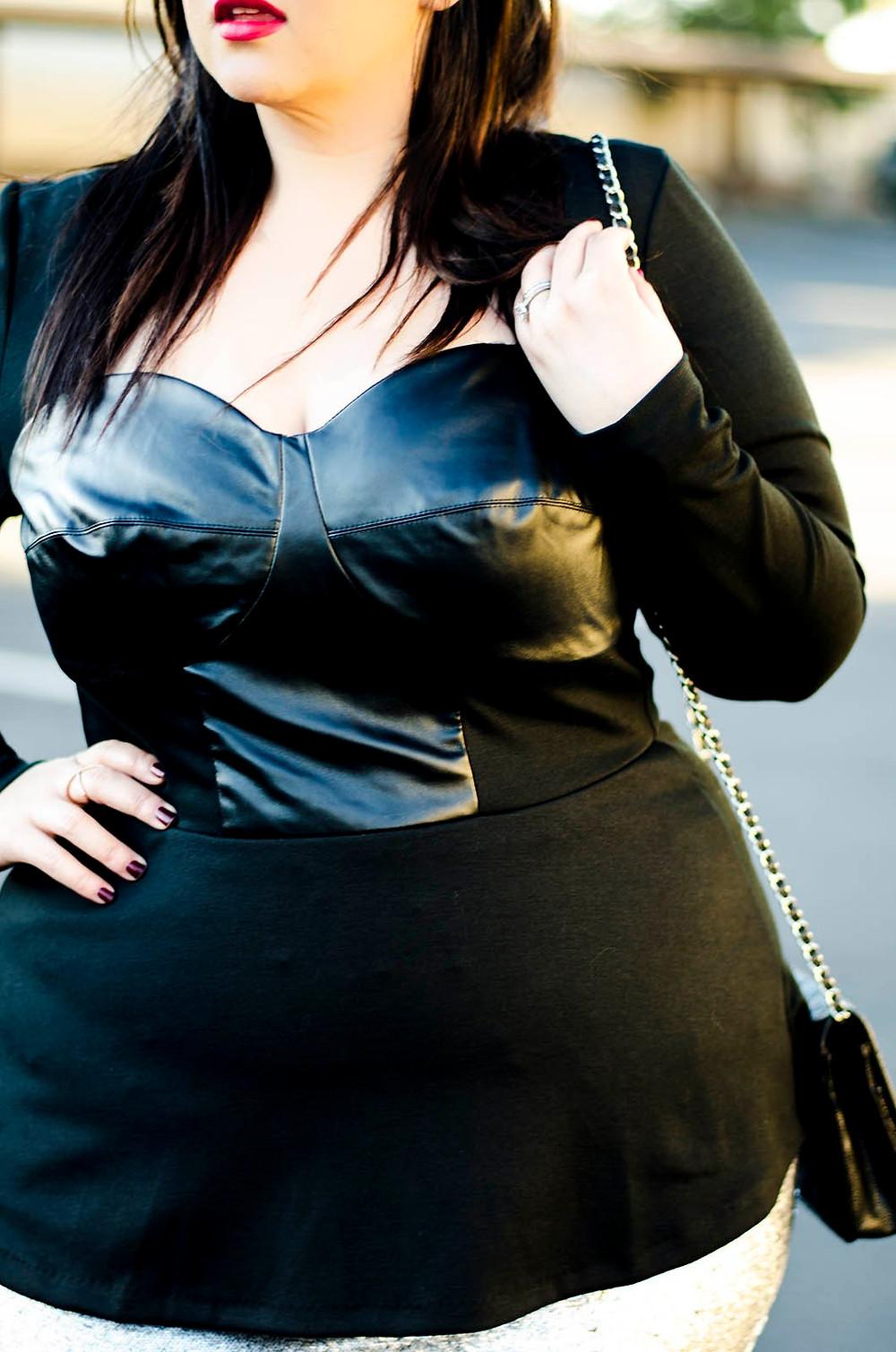 plus size ootd eloquii sequins sleek chic edgy minimalist fashion flattering pencil skirt crystal coons sometimesglam
