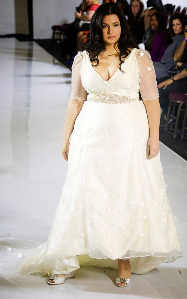 crystal coons runway mode new york fashion week plus size runway model jennyvi dizon couture