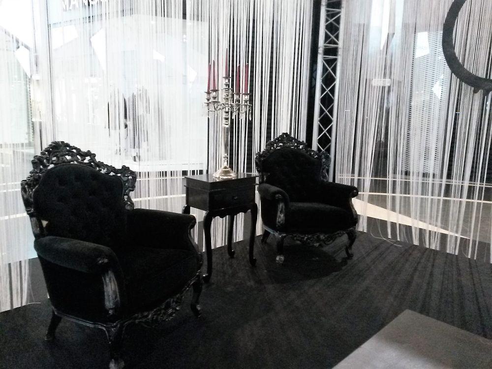 location fauteuils baroque noirs