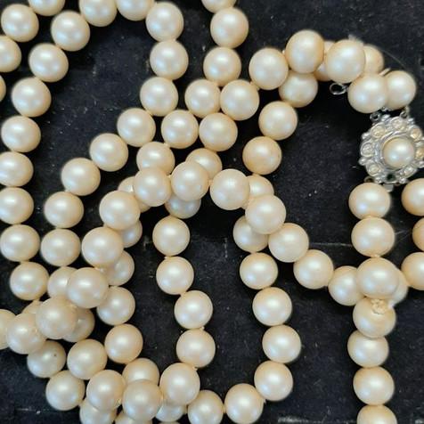 Collier en perles naturelles - Blanc ou écru - Intemporel
