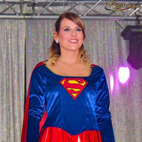 déguisement-super-woman-tournai-attitude