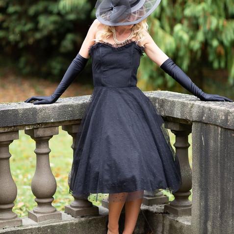 Robe bustier noire style Audrey Hepburn - 20è siècle