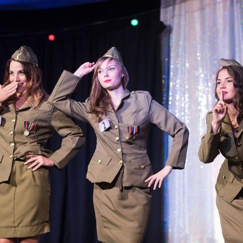 deguisement-militaire-femme-tournai-atti