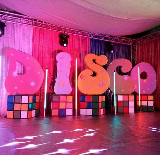 décor rubik's cube et lettres DISCO xxl