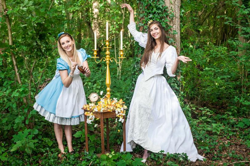 location chandelier Alice au Pays des Me