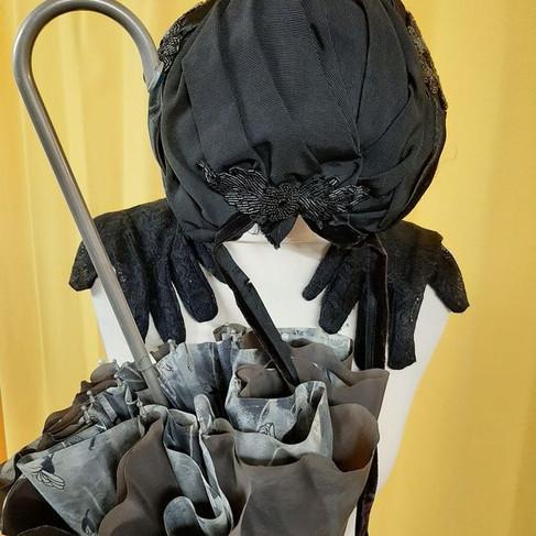 Accessoires ombrelle, gants et chapeau authentiques