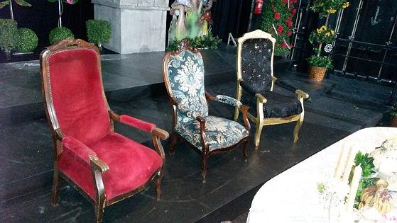 location trône et fauteuil tournai Attit