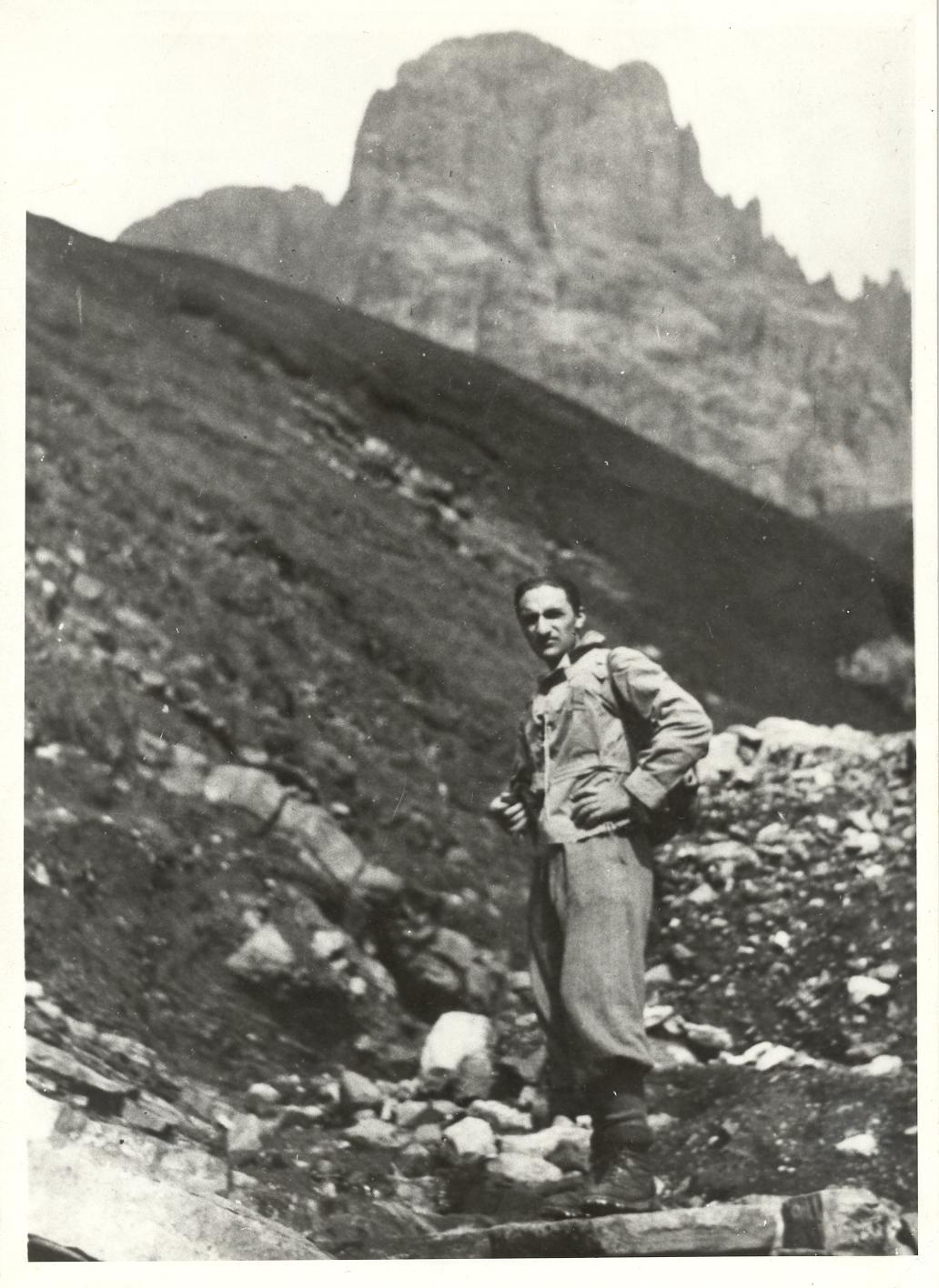 21-30 agosto 1937, Dolomiti occidentali; verso il Sassolungo e il Sassopiatto.