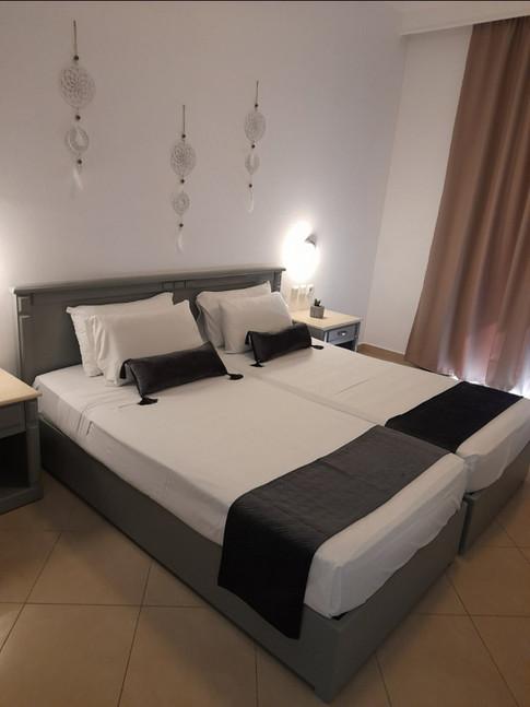 Elegant suite bedroom