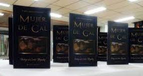 """""""Mujer de Cal"""" (2019) de Carlos Alberto Ricchetti"""