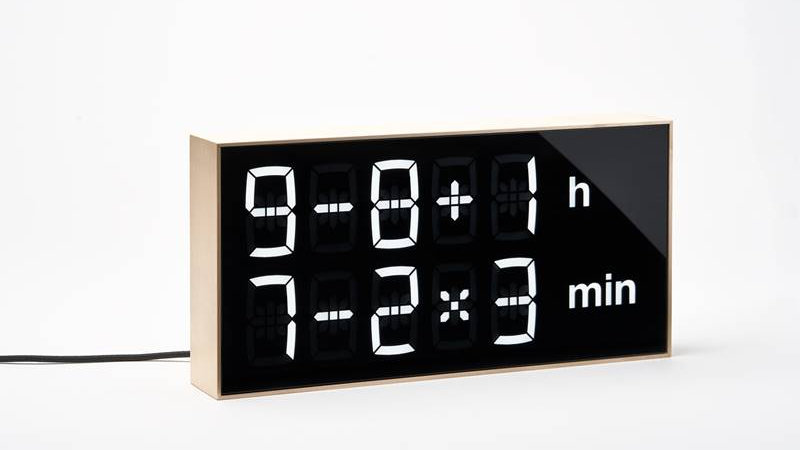 Albert Clock Maple Wood minor defaults