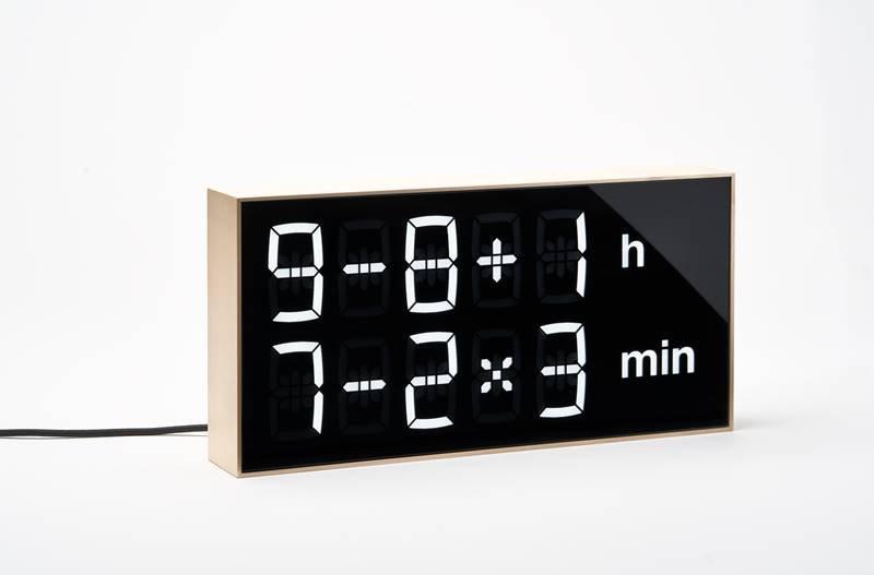 Albert Clock Maple Wood front