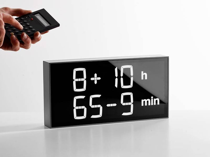 Albert Clock Concrete Grey minor defaults