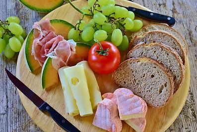 bread-3571266_1920.jpg