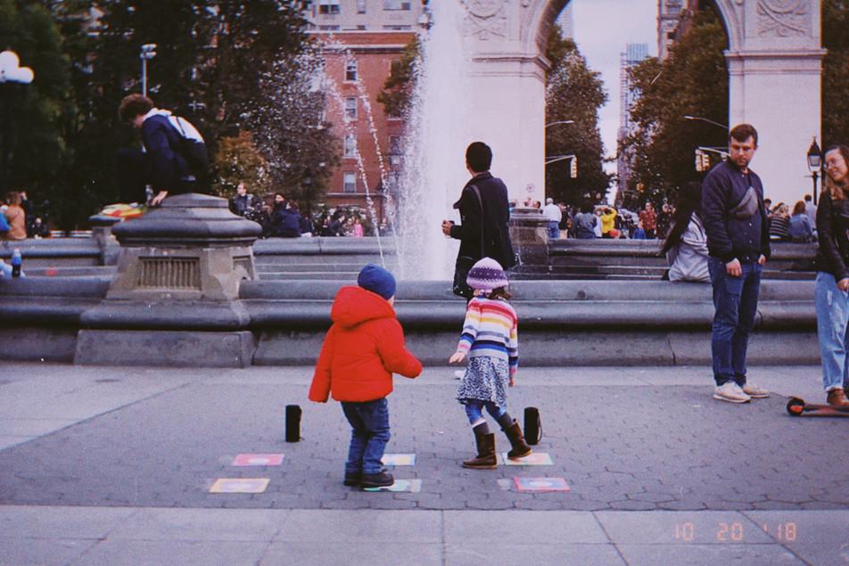 Public Intervention in Washington Square Park /// 纽约华盛顿广场公园公共干涉