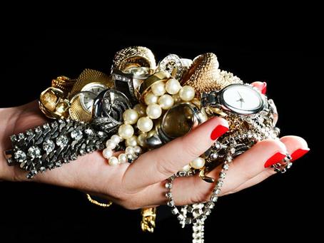 Tips Cerdik Agar Perhiasan Perak Terhindar dari Noda Hitam