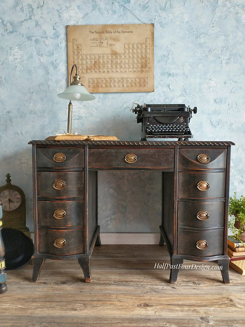 Classic Eight Drawer Desk