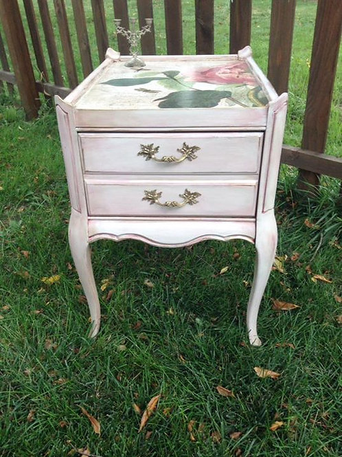 French Provincial End Table/Nightstand