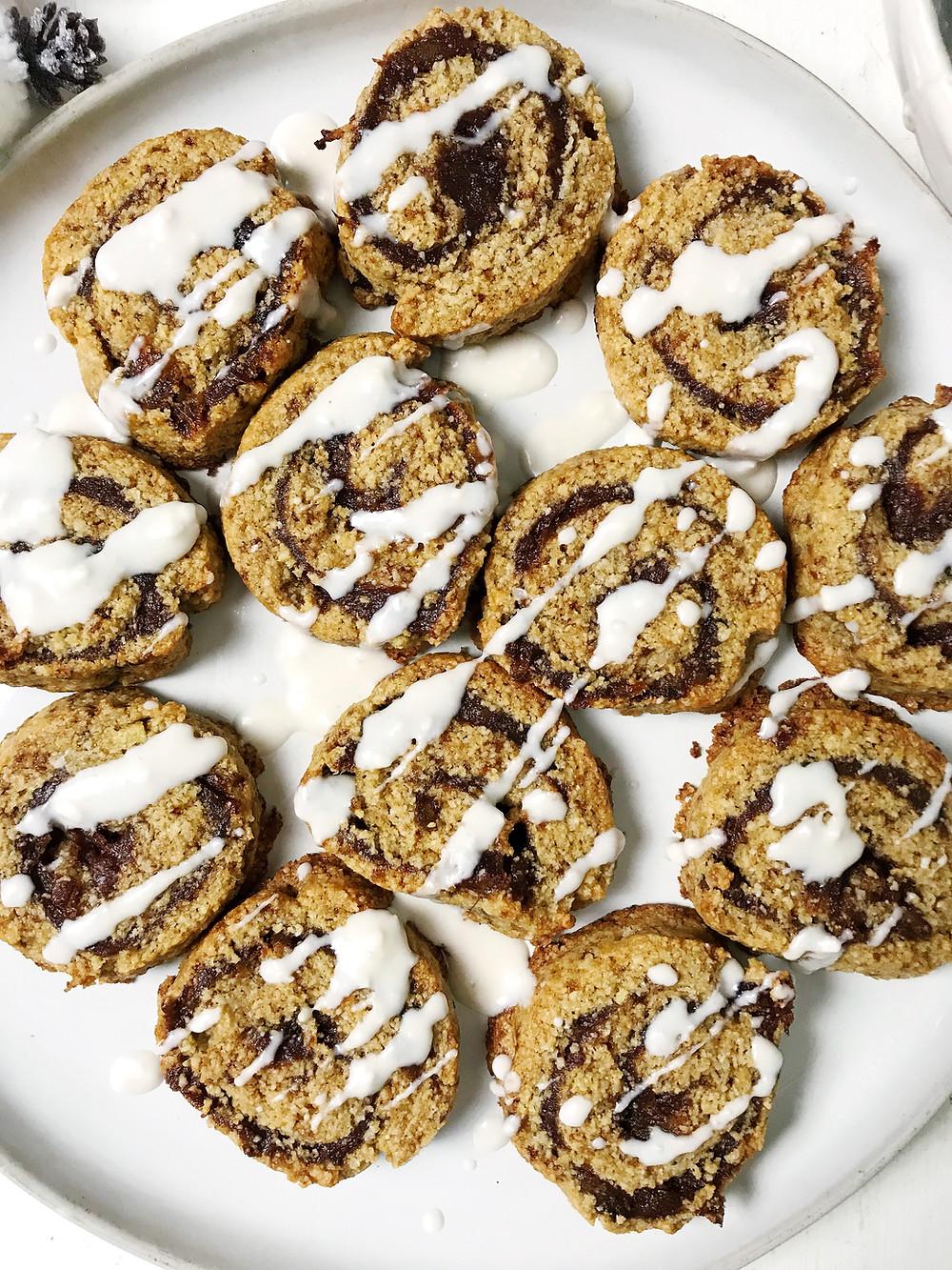 healthy-cinnamon-roll-cookie-gluten-free-low-sugar-christmas-cookie-recipe
