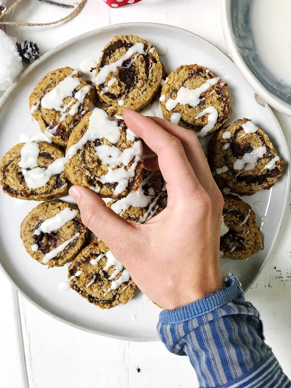 grain-free-christmas-cinnamon-roll-cookie-healthy-recipe