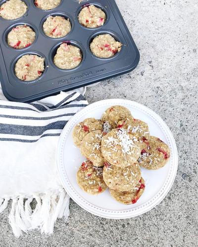 strawberry coconut muffins 1.JPG