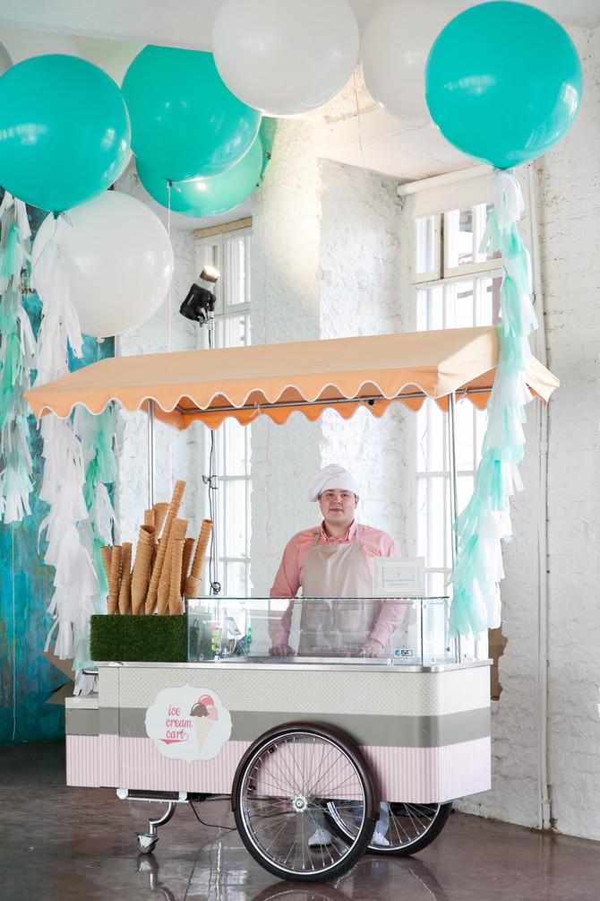 Тележка с мороженым на дне рождения Ma&Mi