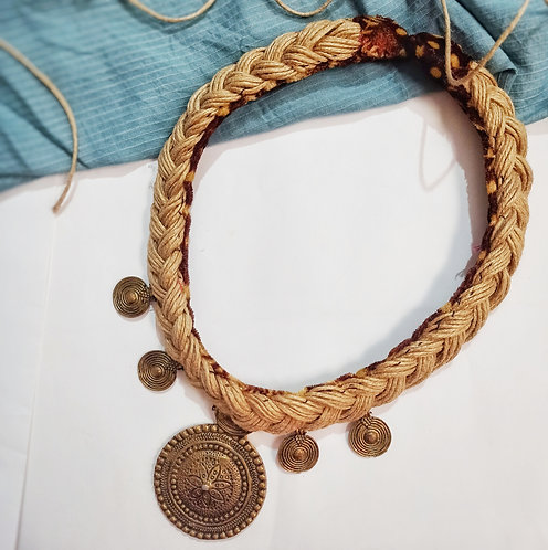 Royal Jute handcrafted necklace